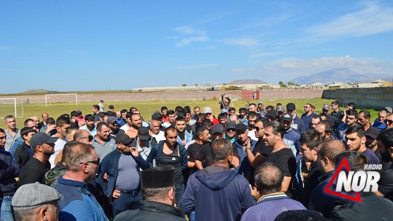 Նինոծմինդայում երիտասարդները կամավորագրվում են Արցախ մեկնելու համար / Տեսանյութ
