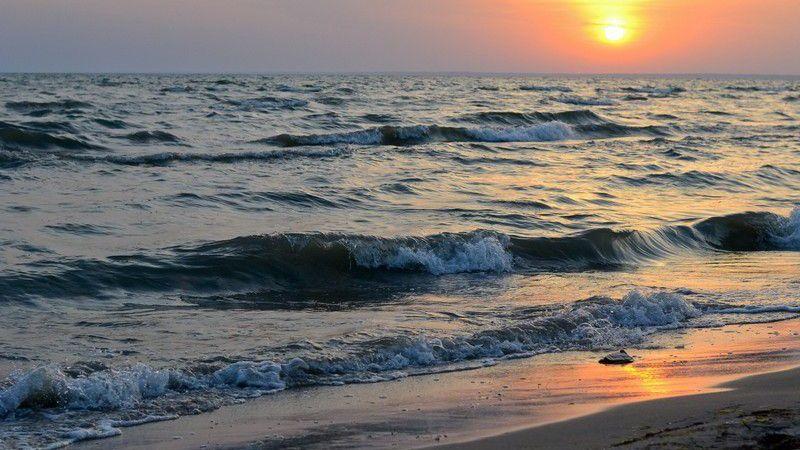 МВД Грузии предупреждает о шторме на Черном море