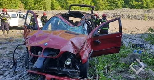 В Аджарии автомобиль с 7 пассажирами упал в ущелье