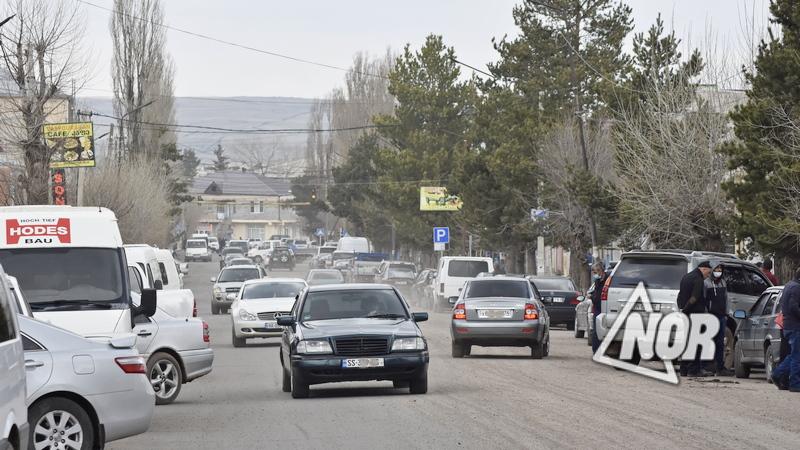 Город Ниноцминда после снятие ограничения, передвижение на легковых автомобилях\фото