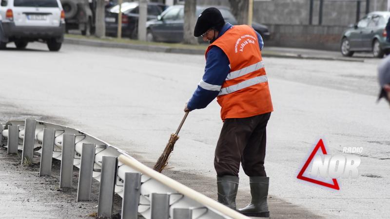 Коммунальная служба приобрела спецодежду для работников