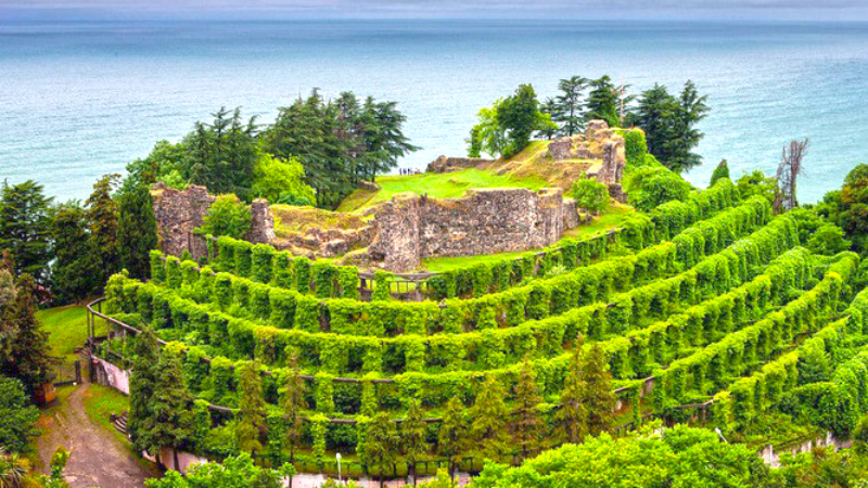 На черноморском побережье Грузии после ремонта открылась Византийская крепость Петра