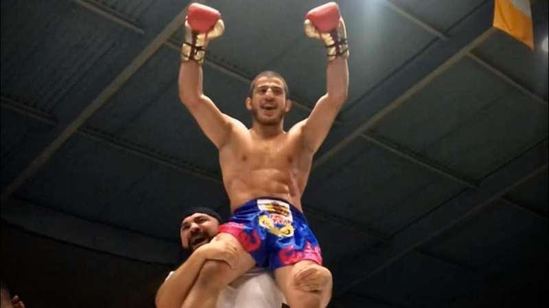 Наир Меликян из Ахалкалаки одолел соперника в первом же раунде