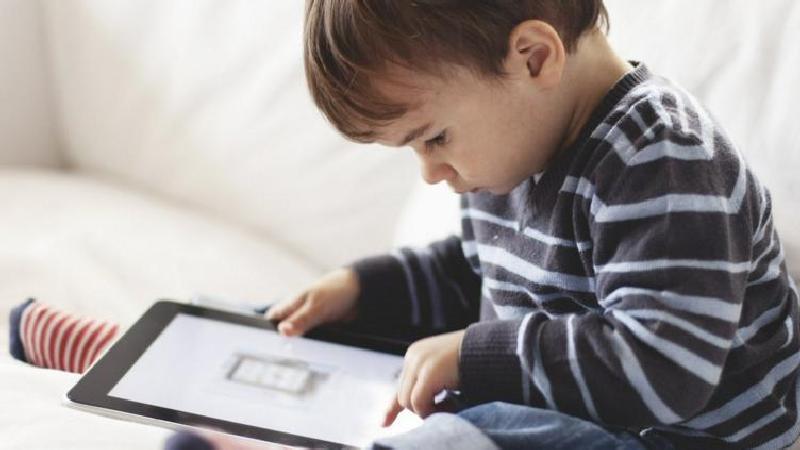 Дети и гаджеты: вред и польза. Советы психолога