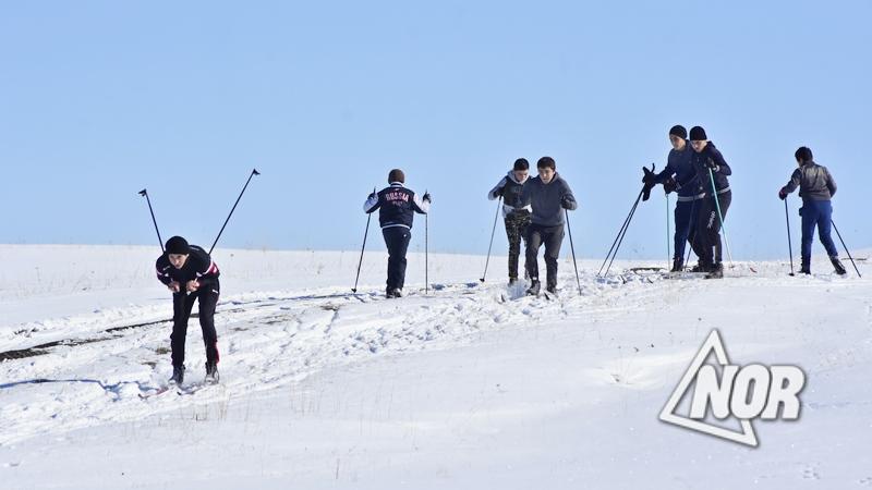 Лыжники города Ниноцминда получили новый инвентарь