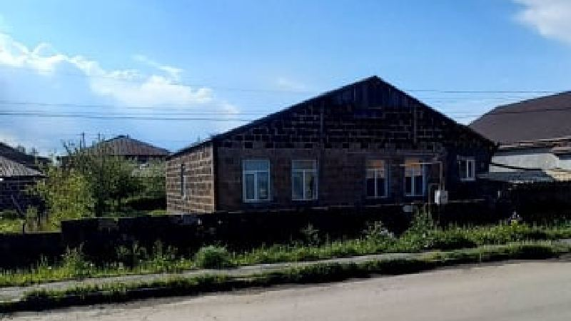 В городе Ниноцминда на улице Овсепяна№50 продается дом +793 26 19 00 49 Whatsapp