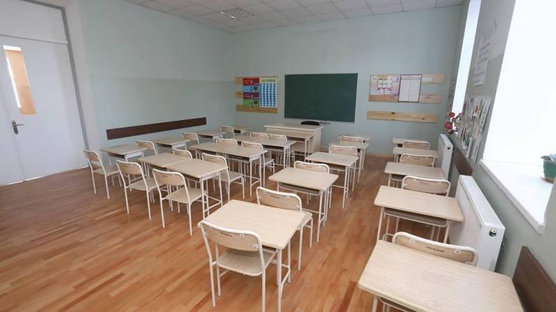Учителя проходят обязательное тестирование перед возобновлением учебного процесса в школах