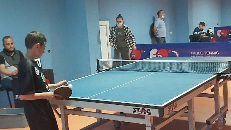 Спортшкола Ниноцминда участвует в чемпионате по настольному теннису