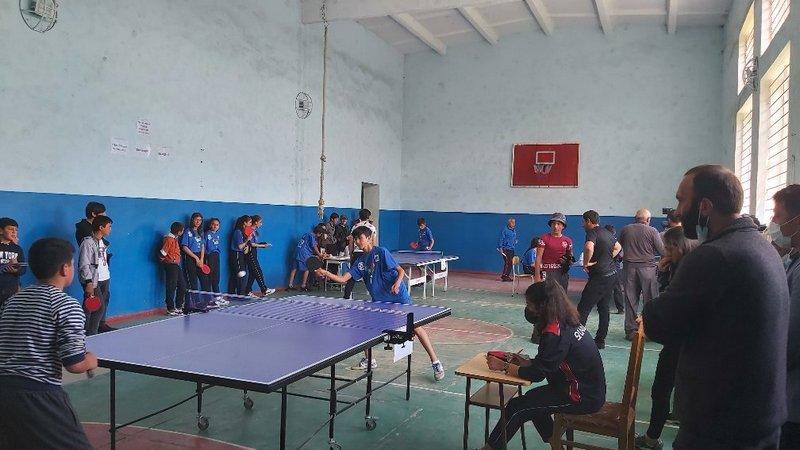 Команда Ороджалара победитель настольного тенниса. Школьная спортивная олимпиада