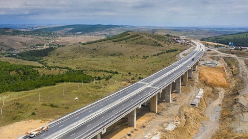 Открыт первый двухкилометровый участок дороги Рикотского перевала
