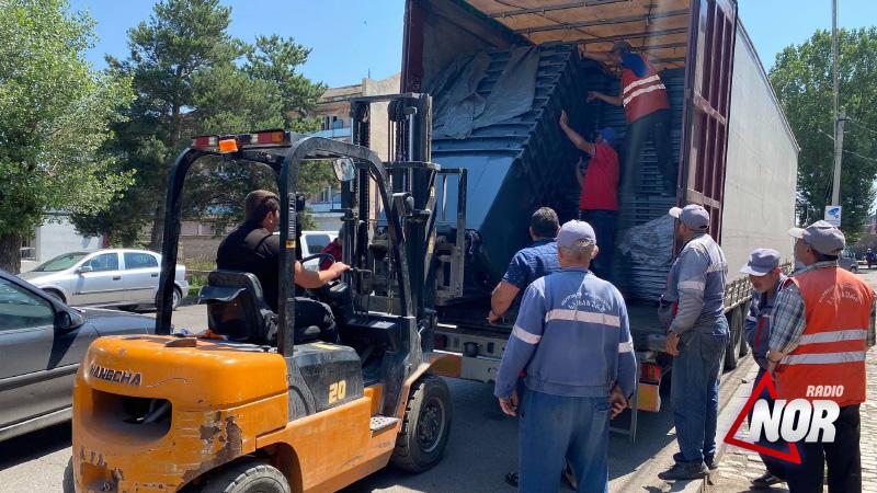 Ниноцминдский муниципалитет приобрел 100 новых мусорных урн