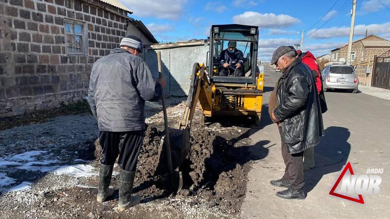 Авария водопроводной линии на улице Тбилисская