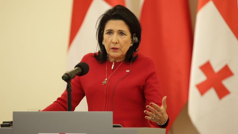 Президент 9 апреля выступит в парламенте Грузии
